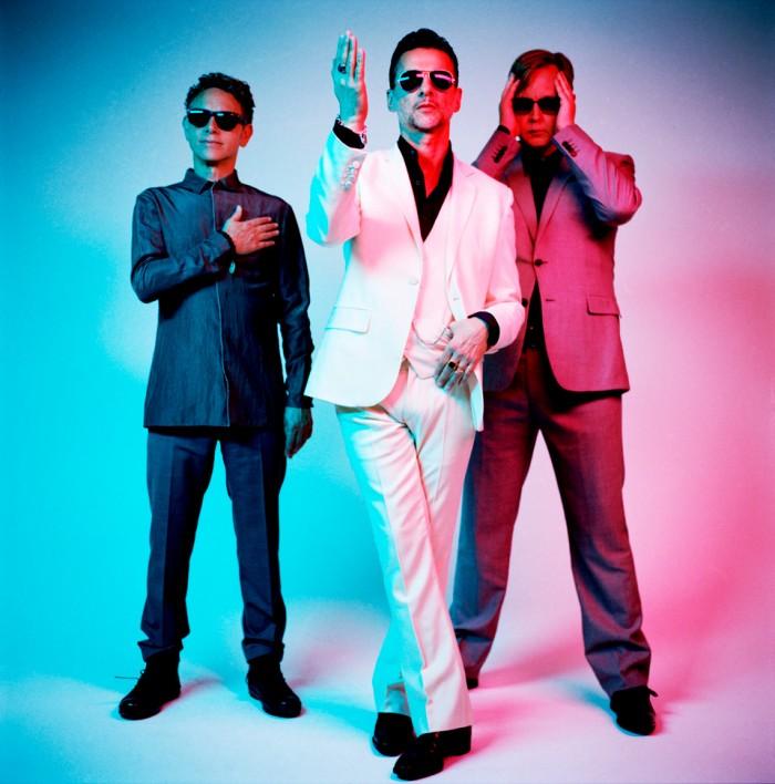 L_Depeche-Mode_Electronic-Beats_Anton-Corbijn-700x708