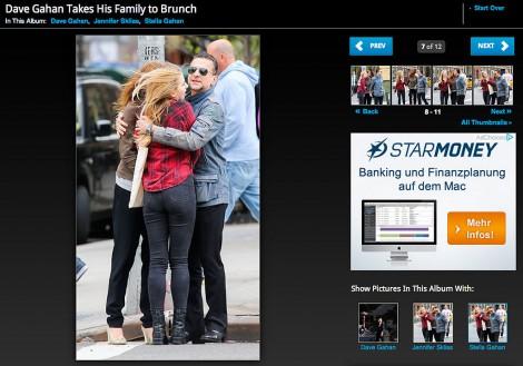 Das Portal Zimbi zeigt Dave Gahan und seine Familie beim Ausflug zum Brunchen (Screenshot)