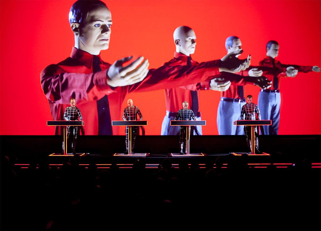 Kraftwerk live (Pressefoto: Peter Boettcher)