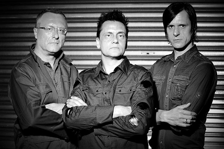 Jürgen Engler (Mitte) und seine Bandkollegen fotografisch eingefangen von Thomas Ecke.