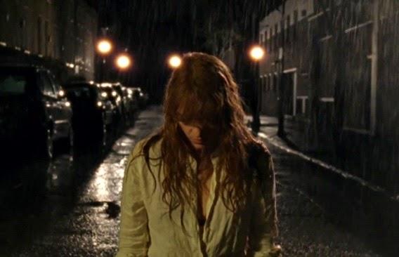 "Apokalyptischer Regen - Szene aus dem Video zu ""Ship To Wreck"""
