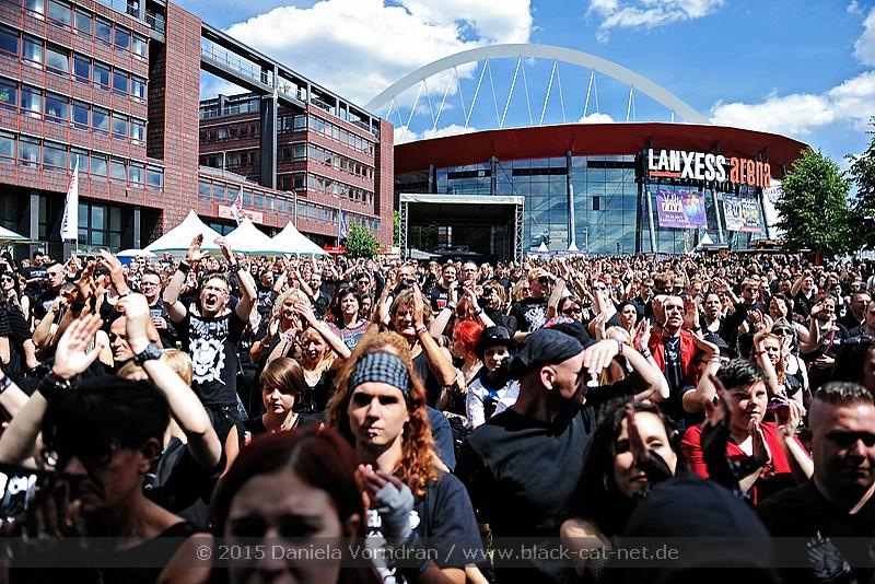 Impressionen vom Amphi Festival vom 25.07.2015 bis 26.07.2015 in der Lanxess Arena (Amphi Event Park) Koeln - Bild: Daniela Vorndran