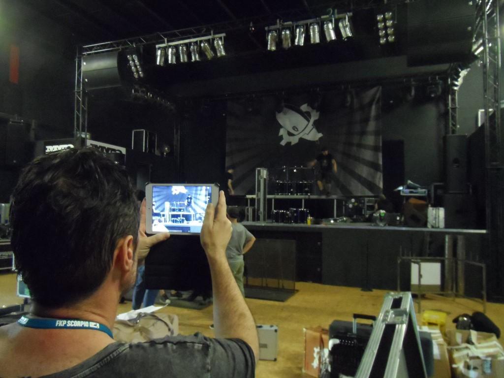 Da war die Location so schön und die Bühne so gigantisch, dass so ziemlich jeder ein Foto davon machen musste. (Foto: HSW)